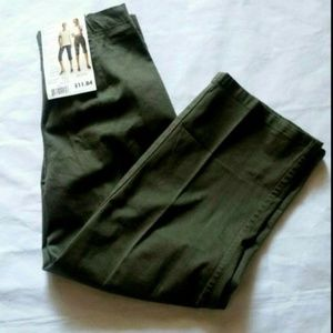 White Stag Olive Green Pull On Stretch Capri Pants